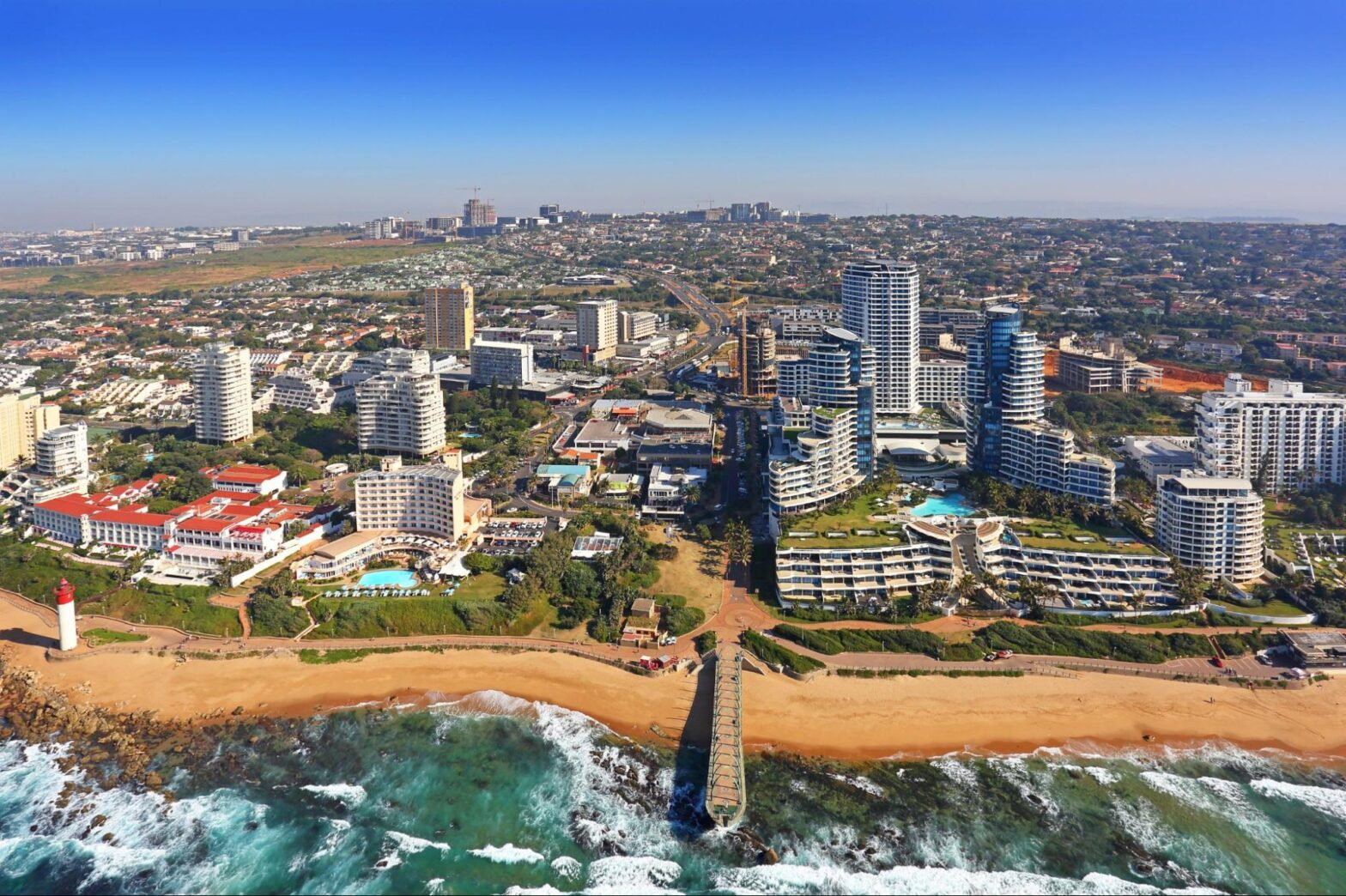 how do timeshares work: Aerial view of a city along the coast
