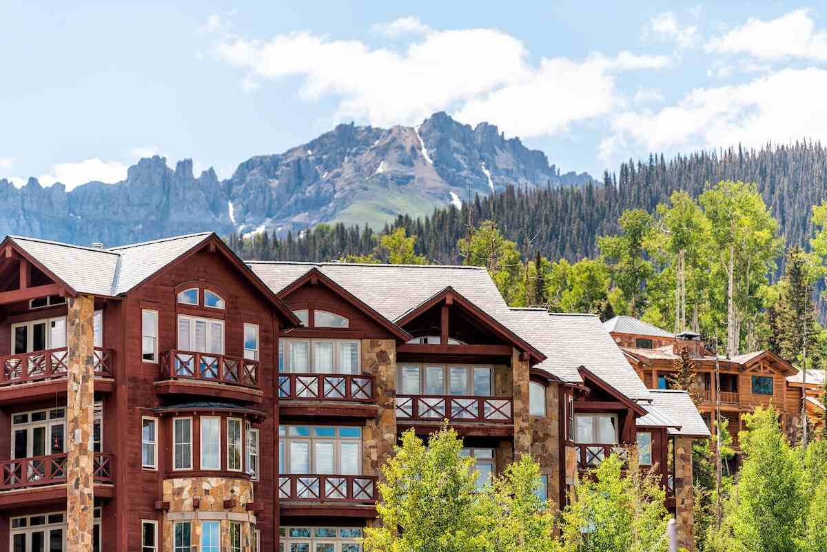 Marriott timeshare: Beautiful resort with a view of the mountains