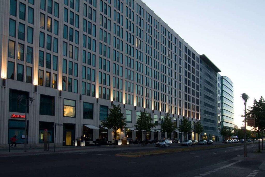 Marriott timeshare: Facade of a Mariott Hotel