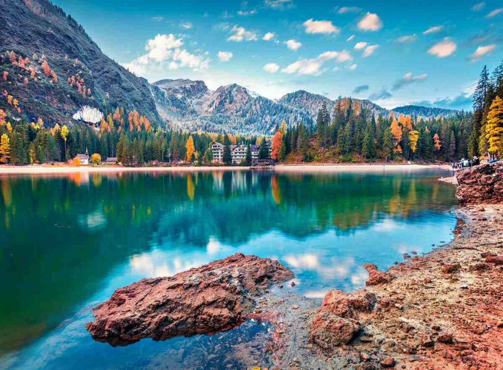 Vacation Village Resorts: Scenic view of Lake Braies in Italy